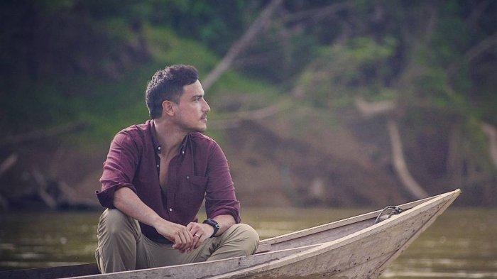 Kerja di Sumba, Hamish Daud Mampir ke Tempat Tinggal Mendiang sang Ayah