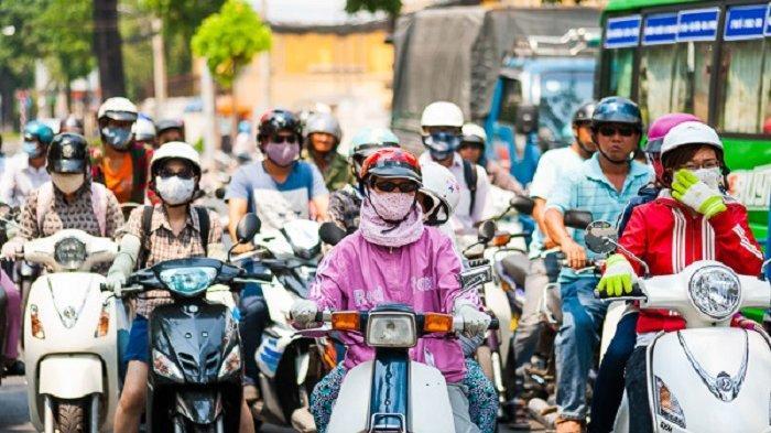 5 Budaya Unik Ini Hanya Ada di Vietnam, Ada Helm Khusus untuk Pengendara Motor Wanita
