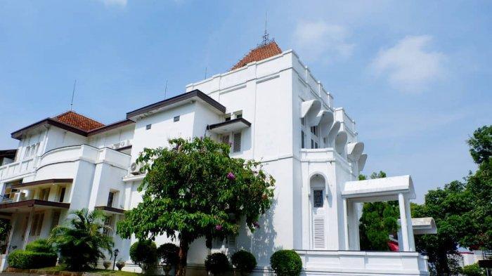 Hotel Candi Baru, Penginapan di Semarang yang Tawarkan Suasana Belanda Tempo Dulu