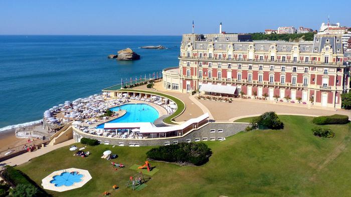 Hotel du Palais, Perancis