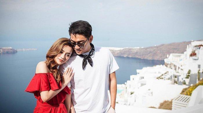 Ifan Seventeen Unggah Foto Liburan Bareng Istri di Paris hingga Ucapankan Selamat Ulang Tahun