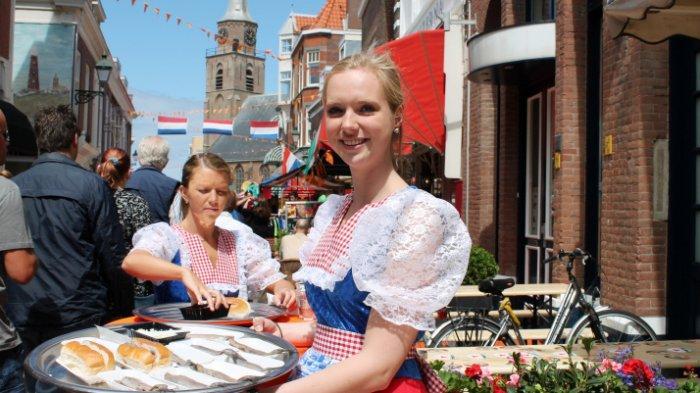 15 Makanan Paling Populer di Belanda yang Harus Traveler Cicipi
