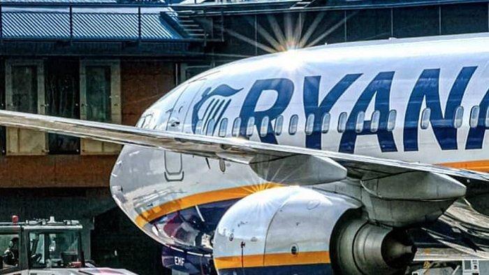 Ilustrai pesawat Ryanair