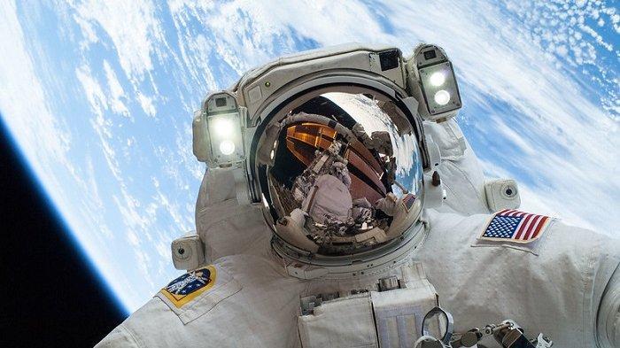 NASA Berencana Daratkan Wanita Pertama di Bulan pada 2024