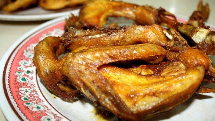 Ilustrasi ayam goreng untuk makan siang