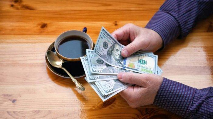 7 Tips Liburan Luar Negeri Saat Dolar AS Naik: Belanja Oleh-oleh Seperlunya
