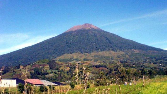 Viral di Medsos, Video Hujan Es di Puncak Gunung Slamet, Berikut Penjelasan BMKG