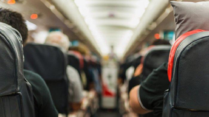 8 Hal yang Tidak Boleh Kamu Lakukan saat Berada di Pesawat, Termasuk Duduk Terlalu Lama