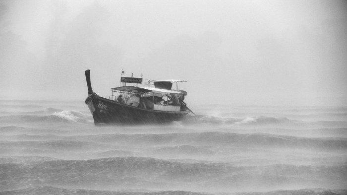 Video Viral di Instagram, Kepanikan Penumpang saat Kapal Diterjang Badai, Ini Kata ASDP