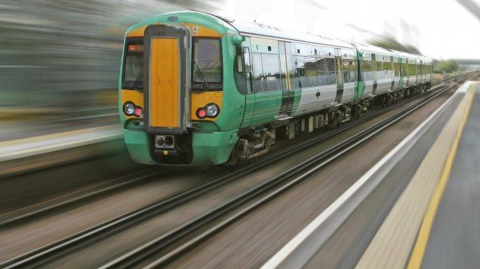 Ilustrasi kereta api yang melaju kencang