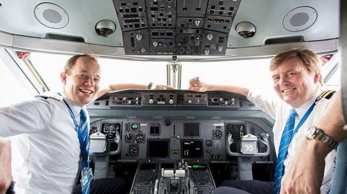7 Hal Sepele Ini Ternyata Tak Boleh Dilakukan Pilot saat di Kokpit Pesawat