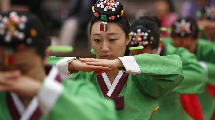 Fakta Korea - Berkunjung ke Negeri Gingseng, 5 Aturan Ini Harus Kamu Ingat Agar Tak Dihujat!