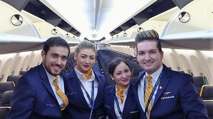 Layanan Spesial! Pramugara Ryanair Hibur Penumpang dengan Tarian Lagu Toxic Milik Britney Spears