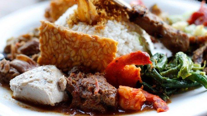 Ilustrasi kuliner nasi campur