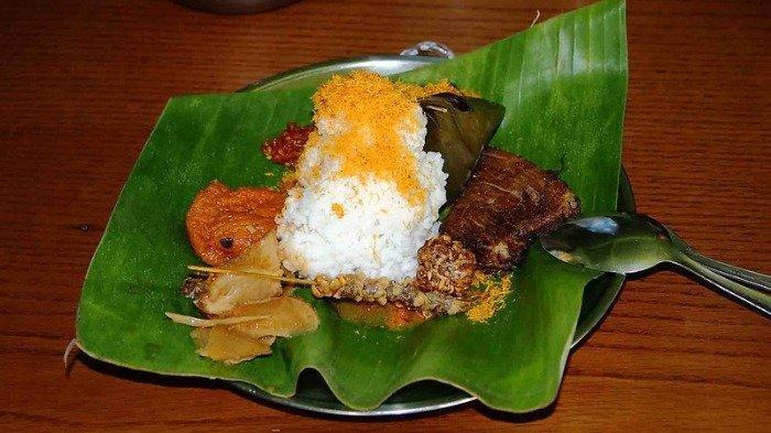 Ilustrasi kuliner nasi punel