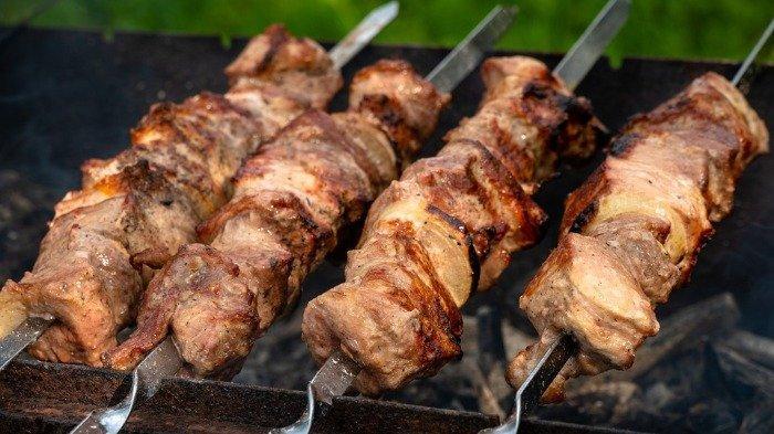 5 Cara Mengempukkan Daging Sate untuk Sajian Lebaran, Coba Pakai Soda Kue
