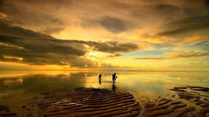 5 Villa Tepi Pantai Terbaik di Bali, Menikmati Sunset di Villa Tantangan