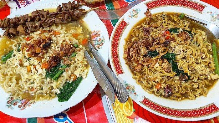 Ilustrasi menu di Warmindo Bu Siti Jogja, Minggu (22/11/2020).