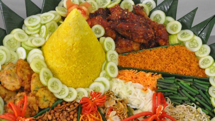 Identik dengan Perayaan Hari Kemerdekaan Indonesia, Ini 3 Fakta Unik Nasi Tumpeng