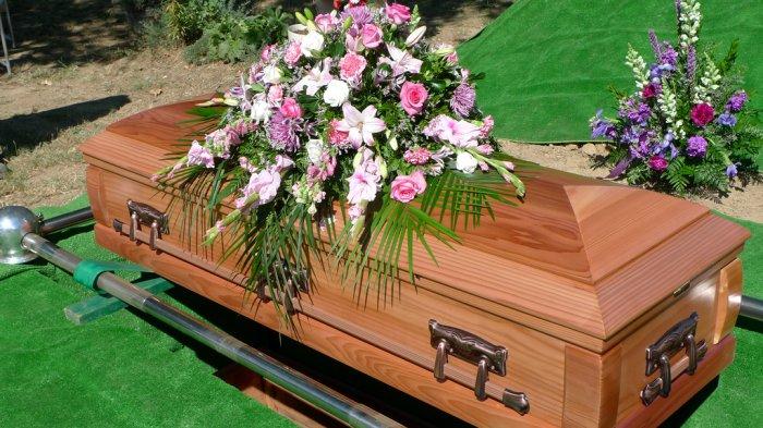 Tradisi Pemakaman Paling Unik di Berbagai Negara, Ada yang Buat Abu Kremasi jadi Perhiasan