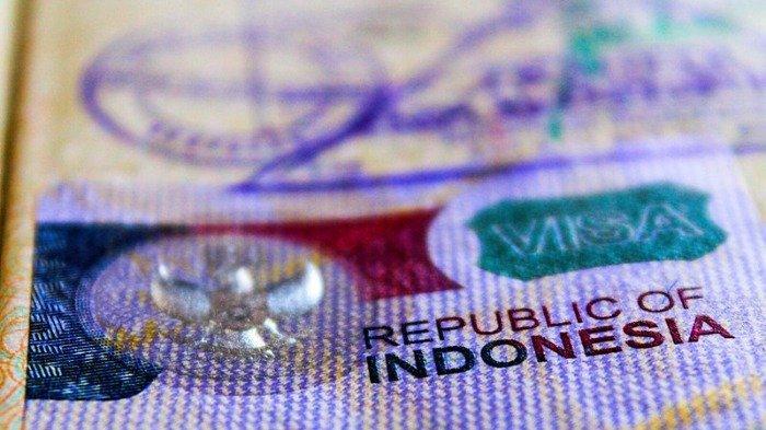 TRAVEL UPDATE: Sandiaga Uno Bahas Visa Long Term, Wisatawan Asing Bisa Tinggal 5 Tahun di Indonesia