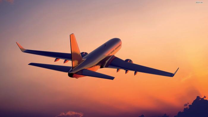 Sepihan Logam Pesawat Kargo Ini Jatuh Saat Lepas Landas, Sebabkan Cedera hingga Kerusakan Mobil
