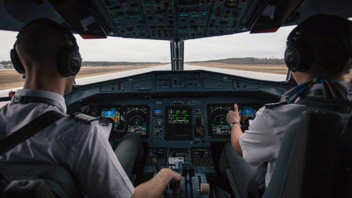 12 Fakta Unik Profesi Pilot, dari Gaji hingga Bekerja di Bawah Tekanan dengan Bahan Bakar Minim
