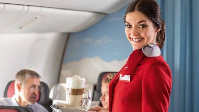 Pilot Ini Ungkap Alasan Tidak Pernah Pesan Minuman Panas dalam Penerbangan
