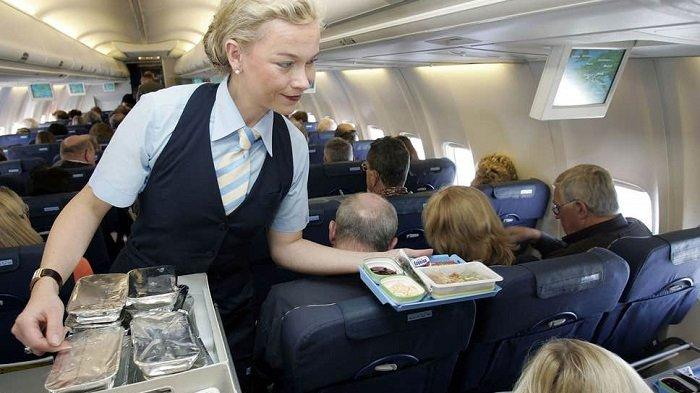 Ini Kode yang Digunakan Pramugari untuk Penumpang yang Disukai atau Tidak Selama Terbang