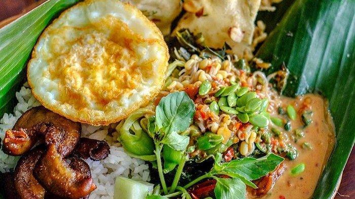 5 Warung Nasi Pecel di Solo yang Terkenal Enak, Ada yang Disajikan dengan Pincuk