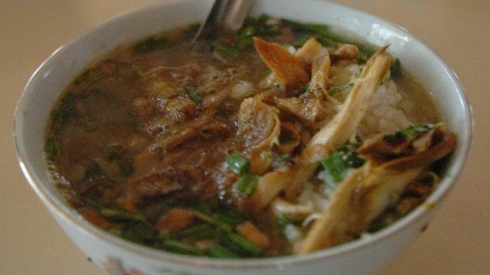Ilustrasi soto ayam di Semarang untuk sarapan