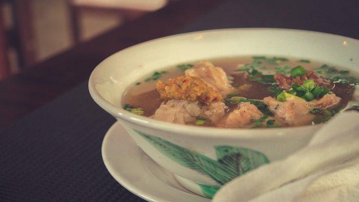 Ilustrasi Sup Ayam Waingapu, kuliner khas Sumba