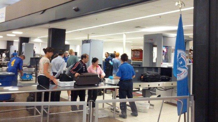 Alasan Pilot dan Pramugari Tak Perlu Lewati Pos Pemeriksaan Keamanan Bandara, Sudah Tahu?