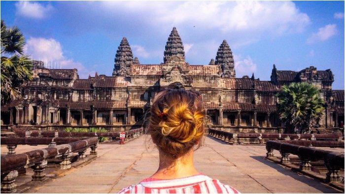 Ilustrasi turis di Angkor Wat, Kamboja
