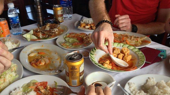 10 Wisata Kuliner Enak di Semarang, Rela Antre Demi Makan Siang di Mie Ayam Rumput
