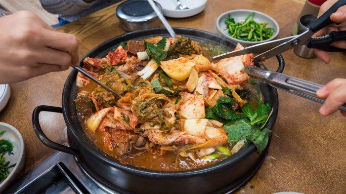 Belum Sah ke Korsel Jika Tak Makan 12 Jajanan Khas Seoul Ini, Gyeran Bbang Favorit di Musim Dingin