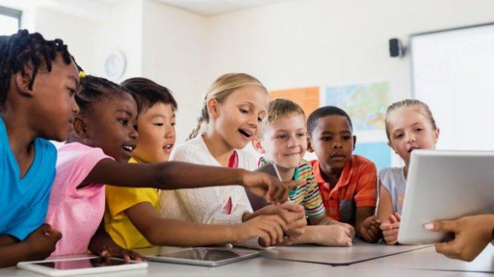 Bahaya! Apa yang Sering Ditonton Anak-anak Ternyata Bisa Pengaruhi Pilihan Makanan Tak Sehat
