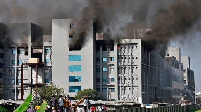 Kebakaran Terjadi di Institut Serum India, Pabrik Pembuat Vaksin Terbesar di Dunia