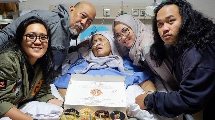 Istri Indro Warkop Meninggal Dunia Karena Kanker Paru, Jangan Abaikan 9 Gejala Kanker Paru Ini