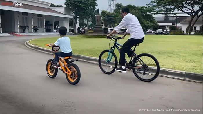 Jan Ethes Temani Jokowi saat Akhir Pekan di Jogja, Jalan-jalan Pagi hingga Keliling Naik Sepeda