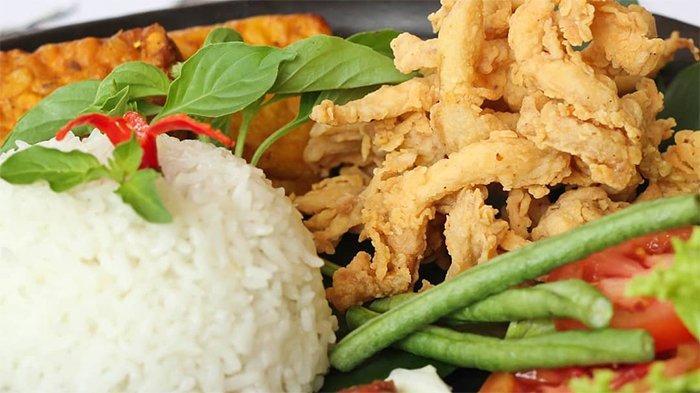 Rekomendasi 9 Tempat Makan Malam di Bali, Ada Warung Nasi Men Lotri yang Eksis Sejak 1970-an