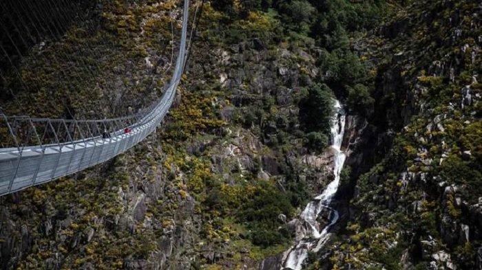 Jembatan Gantung Terpanjang di Dunia Dibuka di Portugal, Panjangnya Mencapai 516 Meter