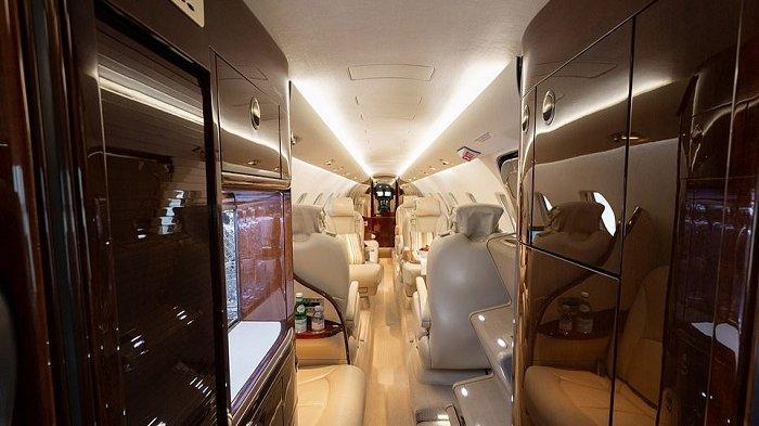 Melihat Jet Pribadi Pangeran Harry dan Megan Markle yang Punya Fasilitas Super Mewah