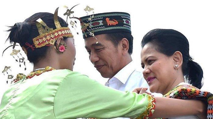Jokowi dan Iriana Lihat Komodo di Pulau Rinca