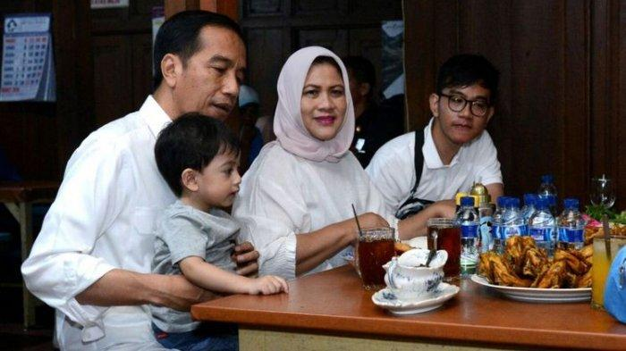 Kuliner Favorit Keluarga Presiden Jokowi, Enaknya Cita Rasa Ayam Goreng Mbah Karto di Sukoharjo