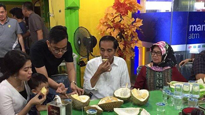 Ini Istimewanya Ucok Durian Yang Jadi Tempat Wisata Kuliner Keluarga Jokowi Di Medan Tribun Travel