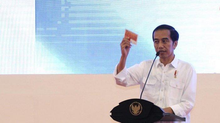 Presiden Jokowi Pakai Busana Adat NTT saat Upacara HUT ke-75 RI