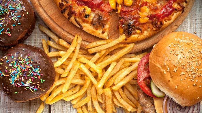 Sering Dianggap Sama, Ternyata Ini Perbedaan Antara Fast Food dan Junk Food