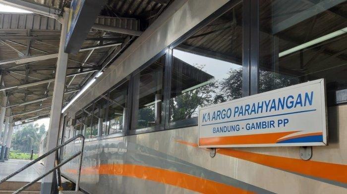 KA Argo Parahyangan.