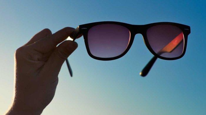 Sebelum Beli Kacamata Hitam untuk Traveling, Intip Dulu Tips Berikut